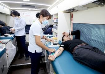 태안군 공직자, 코로나19 여파에 헌혈 수급 비상 '사랑의 헌혈' 나서